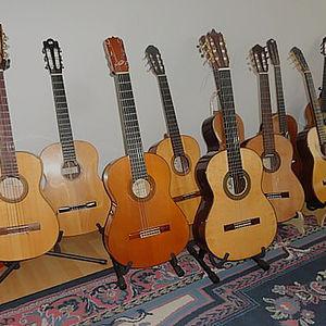 diverse Konzertgitarren fürSolisten 1