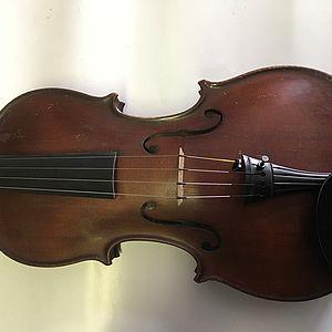 Violine mit Zettel 1