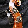 Kontrabass, Fünfsaiter in Violinenform 1