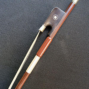 französischer Violoncellobogen 1