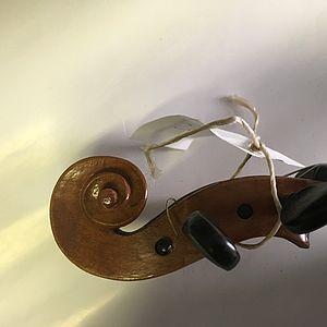 Violine mit Zettel 3