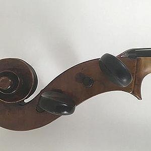 """Cello mit Brandstempel """"Boulier"""" 2"""