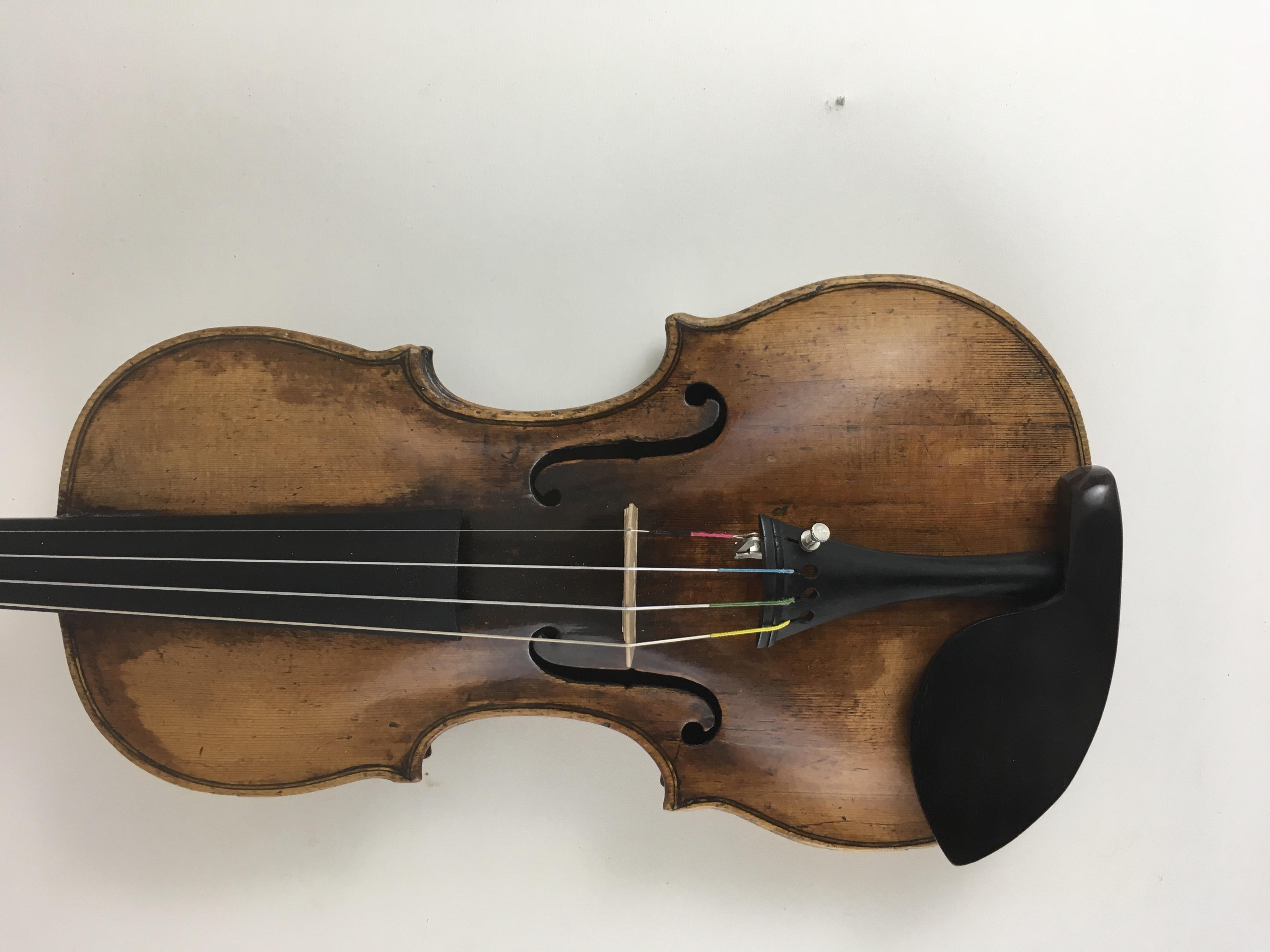 """Violine mit Zettel  """"Georg Klotz, Mittenwald 1732"""" 1"""